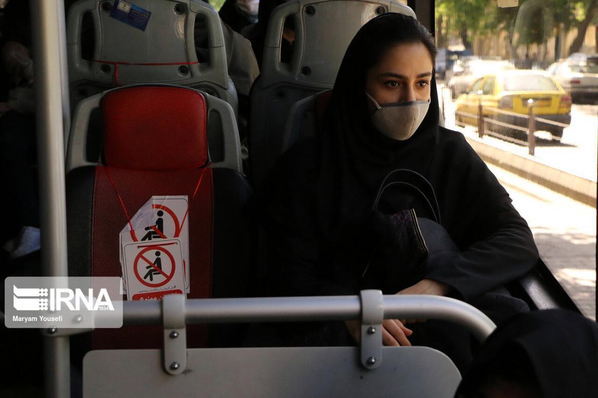 خبرنگاران استفاده از ماسک در اتوبوس های تهران اجباری است
